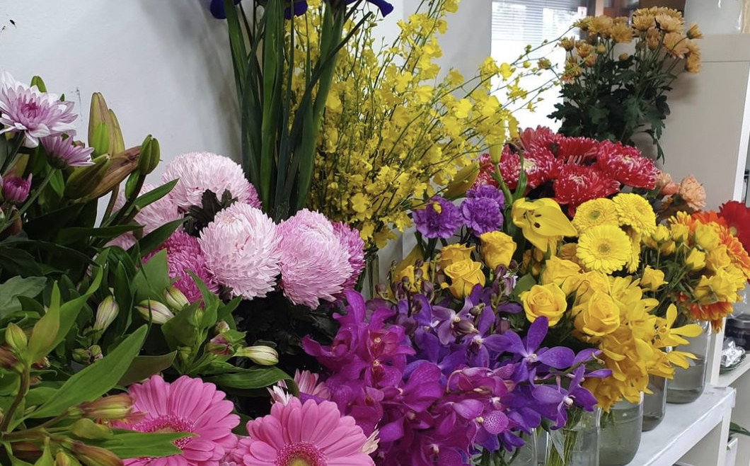 Why You Should Buy From a Local Florist